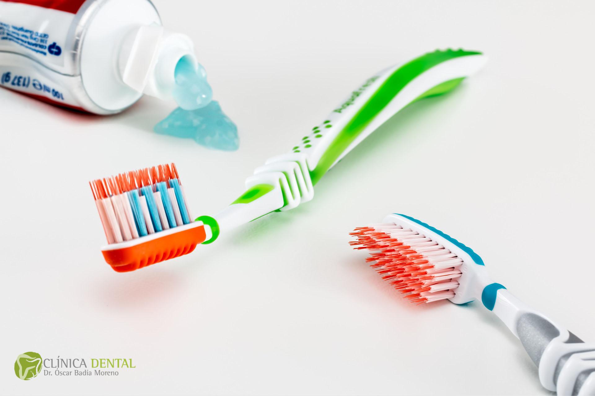 18e806c67 Tips para escoger el cepillo de dientes perfecto – Dental Oscar ...